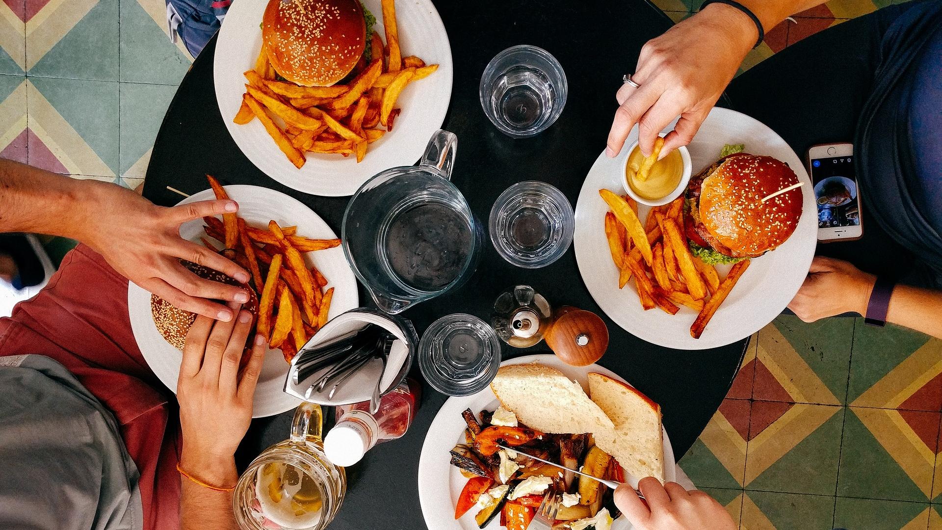 Restaurant Trend Watch: Deals on Meals